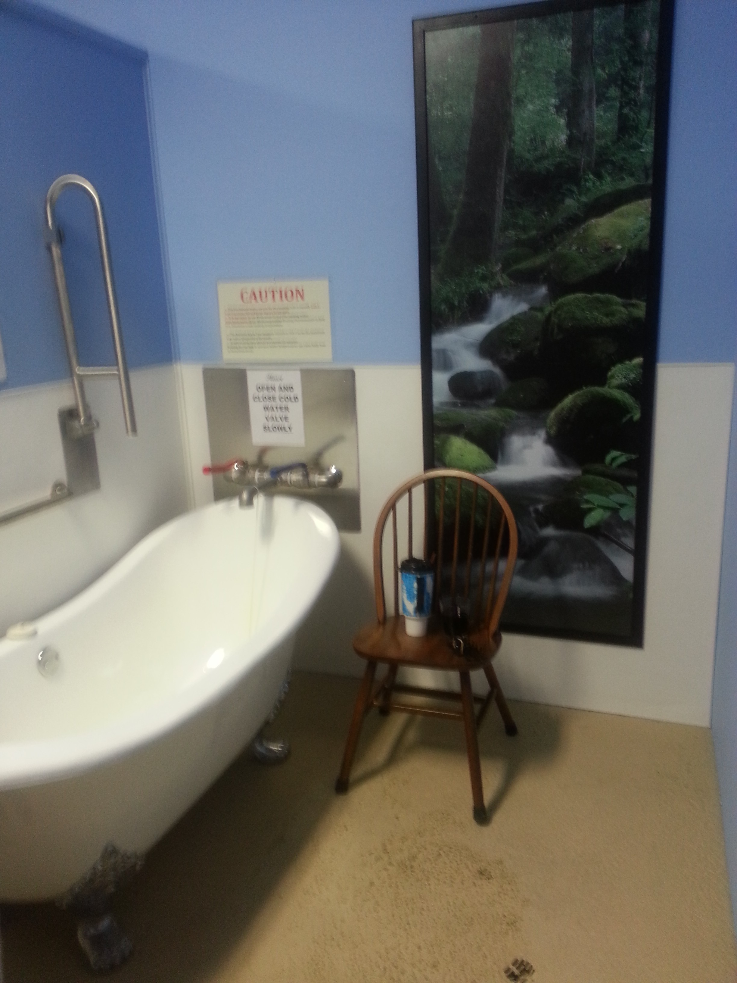 ONE OF THREE PRIVATE TUBS